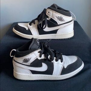 Jordan retro 1 (rare)